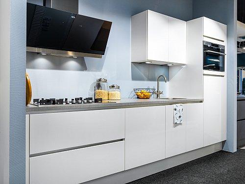 Keukens - Hacker Witglans
