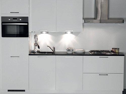 Keukens - Voorraad keuken in rechte opstelling