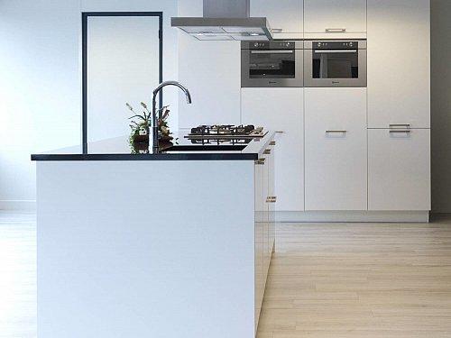 Keukens - Paco VR Keuken met eiland