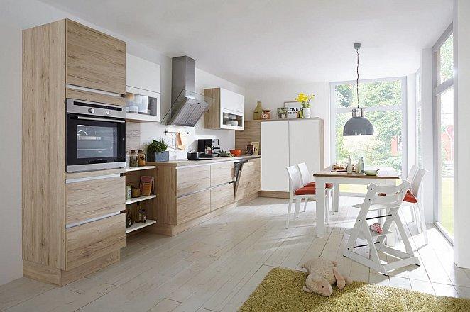 Greeploze houten keuken in rechte opstelling - Afbeelding 2 van 2