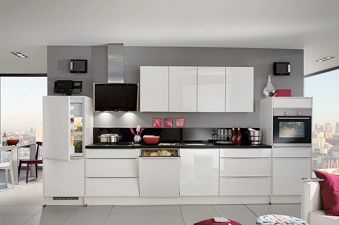 Strakke keuken in hoogglans wit - Afbeelding 1 van 1
