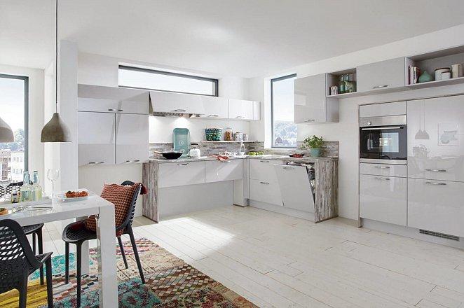 Moderne keuken met eigenzinnige indeling - Afbeelding 1 van 1