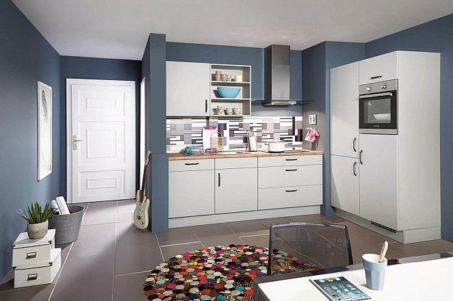 Compacte keuken met hoge kastenwand - Afbeelding 1 van 2