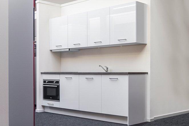 Rechte keuken in hoogglans wit - Afbeelding 1 van 7