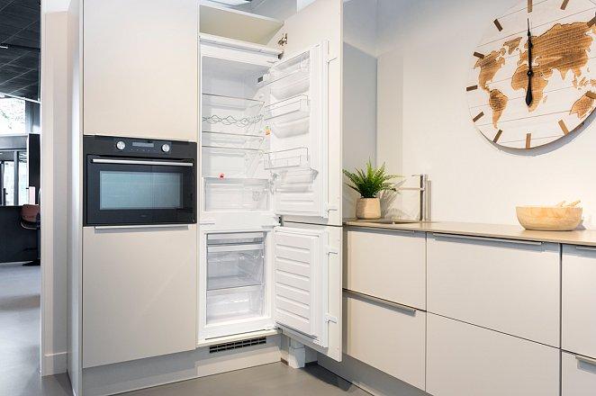 Rechte keuken met kastenwand in lichtgrijs - Afbeelding 7 van 7