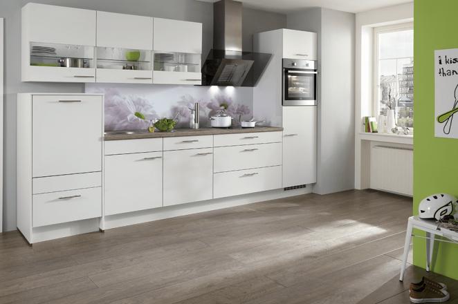 Rechte keuken met zilveren grepen - Afbeelding 1 van 2