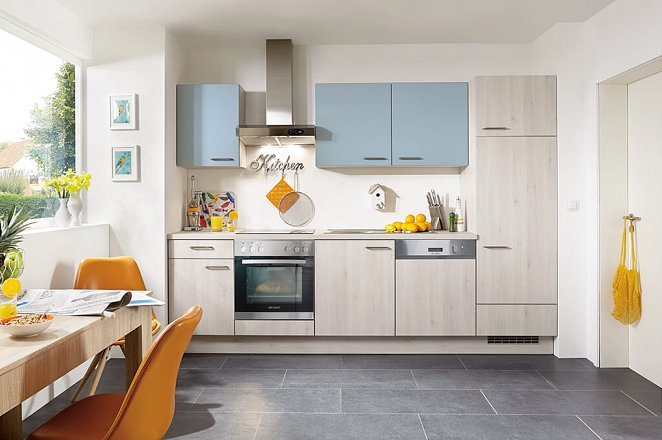 Rechte keuken in licht houtmotief - Afbeelding 1 van 1