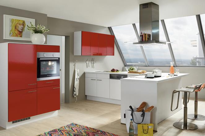 Rood/witte keuken met losse keukenelementen - Afbeelding 1 van 1
