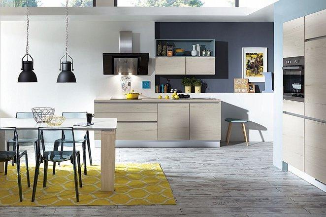 Houten keuken met losse keukenelementen - Afbeelding 1 van 1
