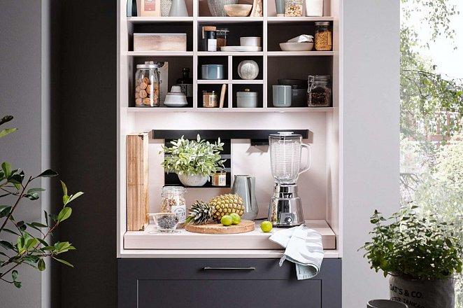 Donkergrijze keuken met kookeiland - Afbeelding 4 van 8