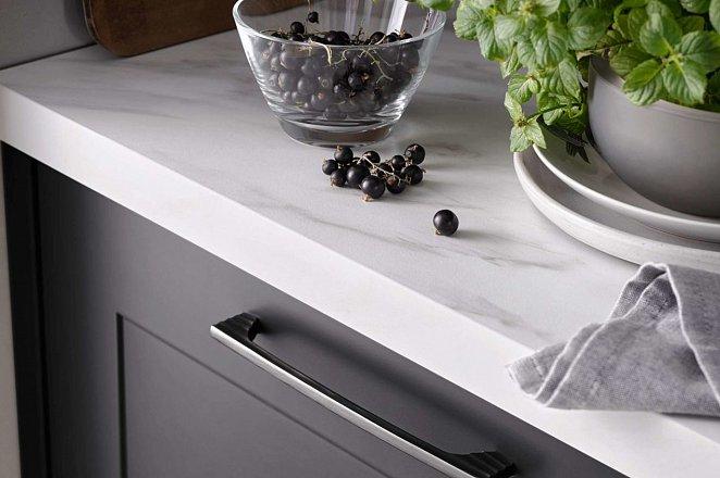 Donkergrijze keuken met kookeiland - Afbeelding 6 van 8