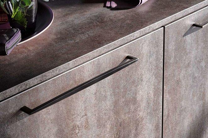 Luxe rechte keuken in donker design - Afbeelding 3 van 5