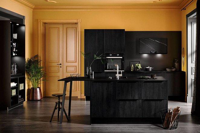 Zwarte keuken met spoeleiland - Afbeelding 1 van 10