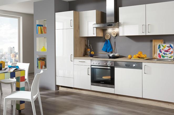 Rechte blauw witte keuken - Afbeelding 2 van 3