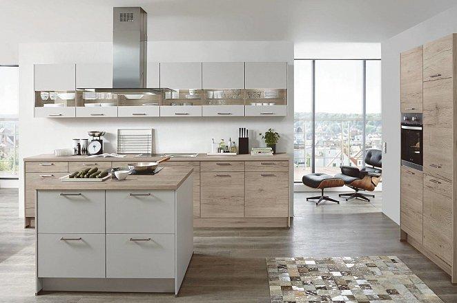 Rechte keuken met kookeiland en apparatuurkast - Afbeelding 1 van 1