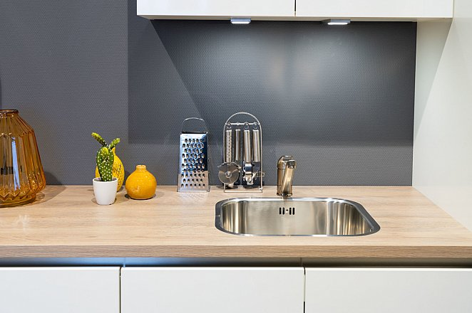 Rechte keuken in hoogglans wit - Afbeelding 2 van 7