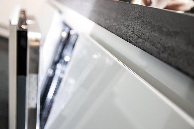 Eiland keuken in wit hoogglans lak/eiken basalt - Afbeelding 6 van 10