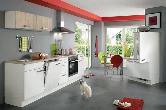 Witte design keuken met eiken wandkasten en eiken werkblad - Afbeelding 1 van 1