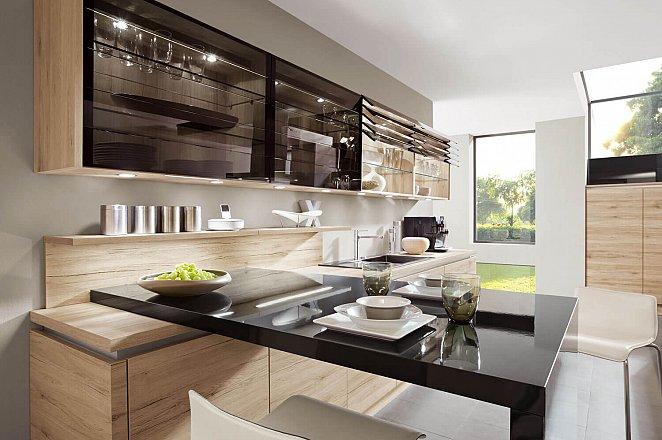Moderne ruime keuken met kookeiland - Afbeelding 3 van 5