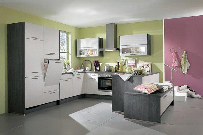 Witte keuken in U-opstelling met zitje - Afbeelding 1 van 1
