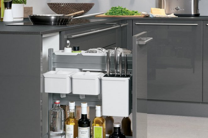Ruime keuken in hoekopstelling in hoogglans grijs - Afbeelding 5 van 5