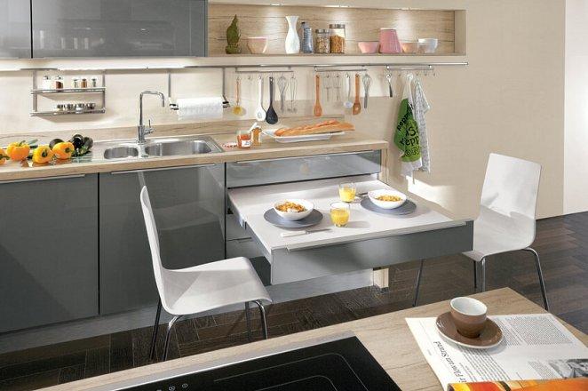 Moderne keuken in U-opstelling - Afbeelding 3 van 3