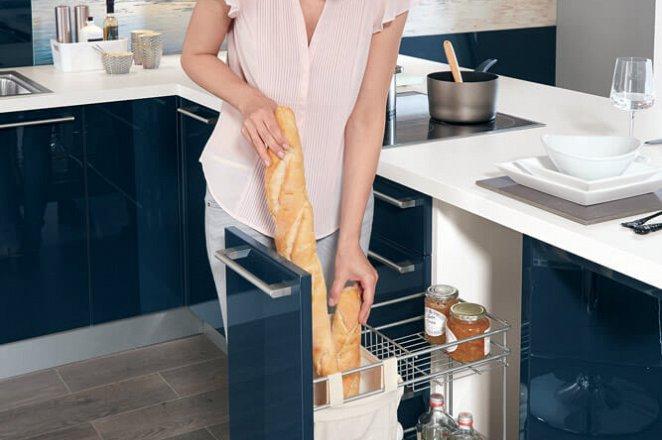 Moderne keuken in T-opstelling - Afbeelding 2 van 4