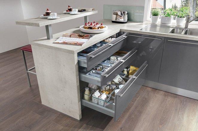 Ruime moderne keuken in U-opstelling - Afbeelding 8 van 8