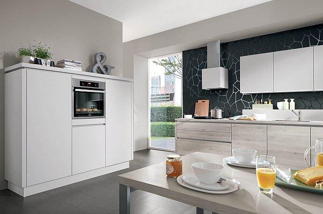 Moderne keuken in rechte opstelling - Afbeelding 2 van 4