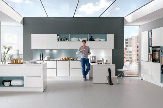 Strakke keuken met eiland - Afbeelding 1 van 3