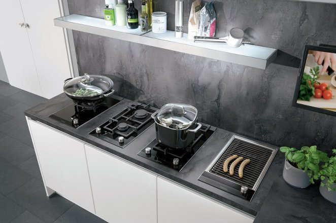 Greeploze keuken in hoogglans wit - Afbeelding 3 van 4