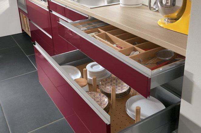 Moderne keuken in rechte opstelling - Afbeelding 3 van 5