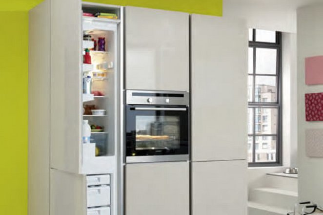 Grote design keuken in rechte opstelling met kastenmodule - Afbeelding 2 van 3